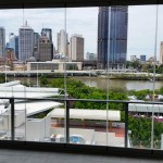 Clear Edge slide and stack – frameless soundproof view of the city
