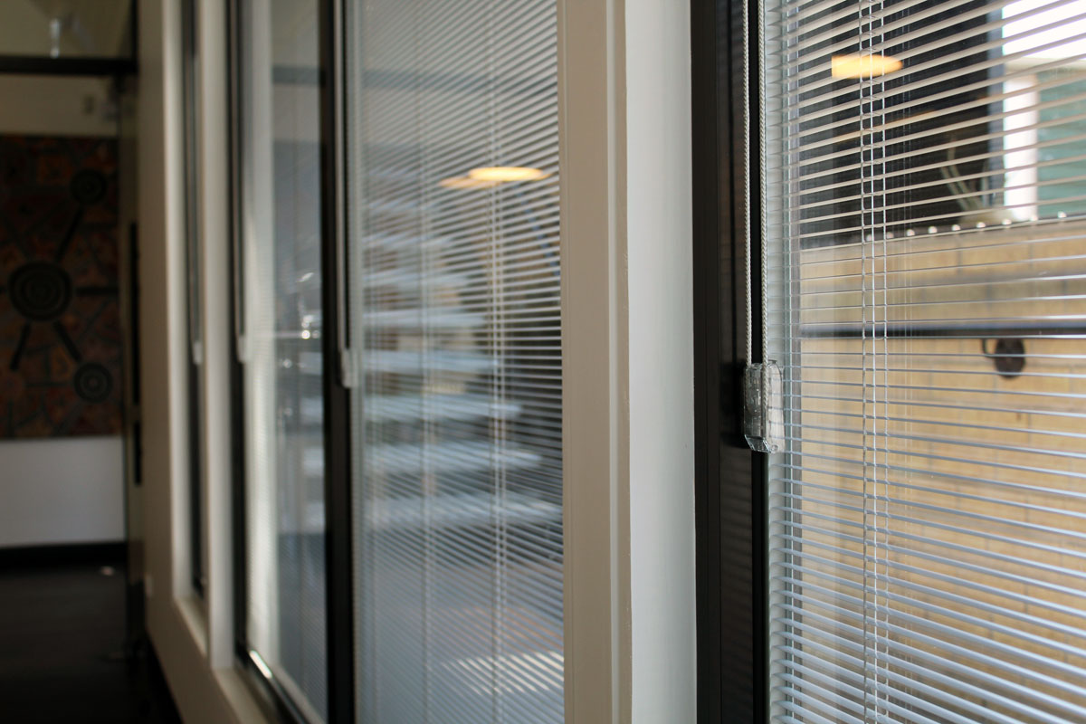 Internal Venetian blinds for windows